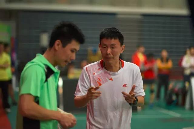 At a recent tournament my coach helped out his teammates. His team is famous for being the best team in Xiamen and sometimes even gets pro players to play for them.