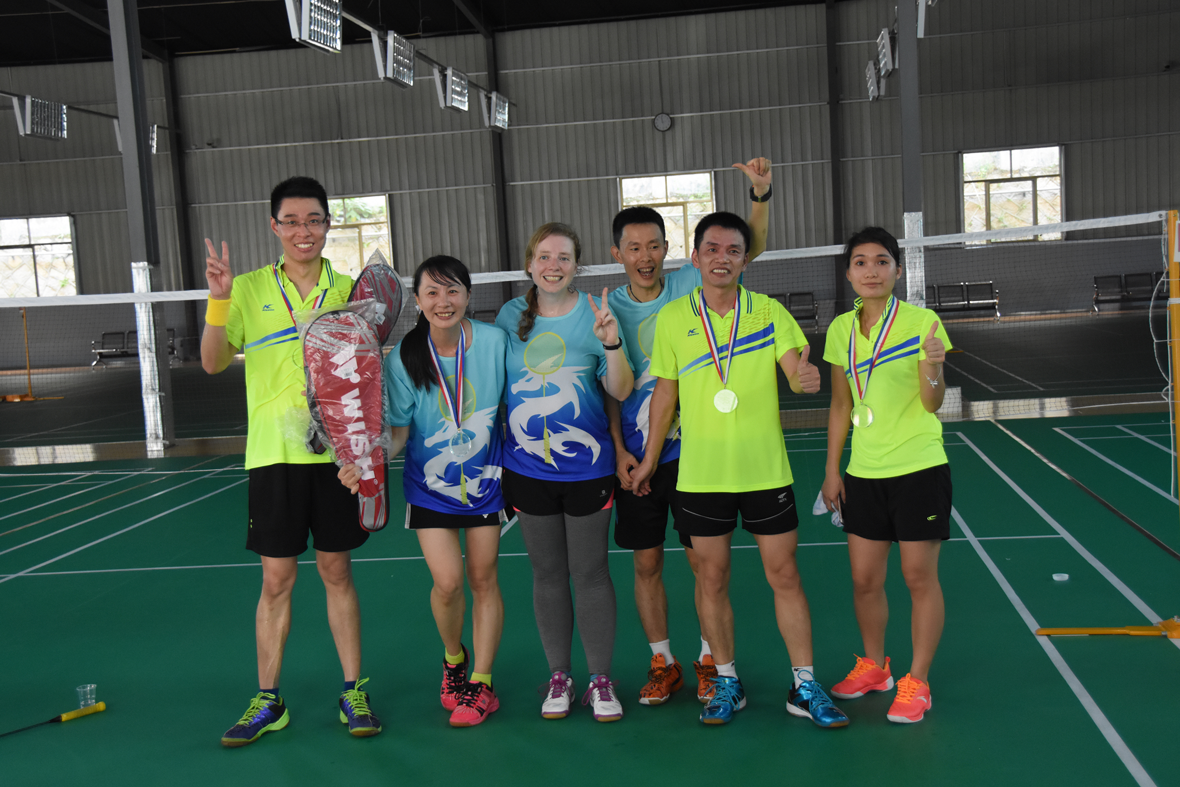 The winners of the mixed doubles was two teams I didn't know before. But notice the one woman is the same as the runner up in the womens doubles. She was the only one to get medals in two events. She was awesome and I'd like to play with her more.